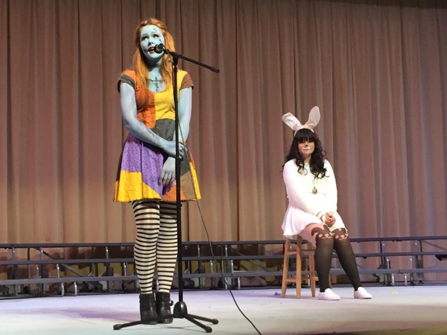 Choir+members+and+seniors+Aurora+Schnurr+and+Lexi+Maldonado+perform+at+the+choir%E2%80%99s%0ADisney+concert+Nov.+6+in+the+Pavilion.+The+Disney+concert+featured+familiar+Disney+characters%0Asuch+as+the+Mad+Hatter+and+the+White+Rabbit+%28Michelle+Chen%2FTalon%29.