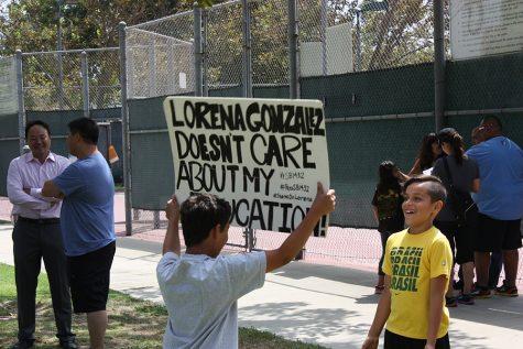 Two children protest to renew the District of Choice program (Stephen Burt/Talon).