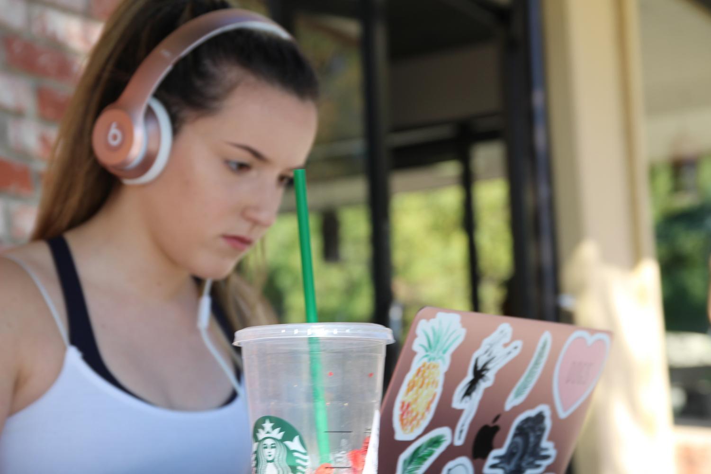 Starbucks will replace plastic straws with strawless lids