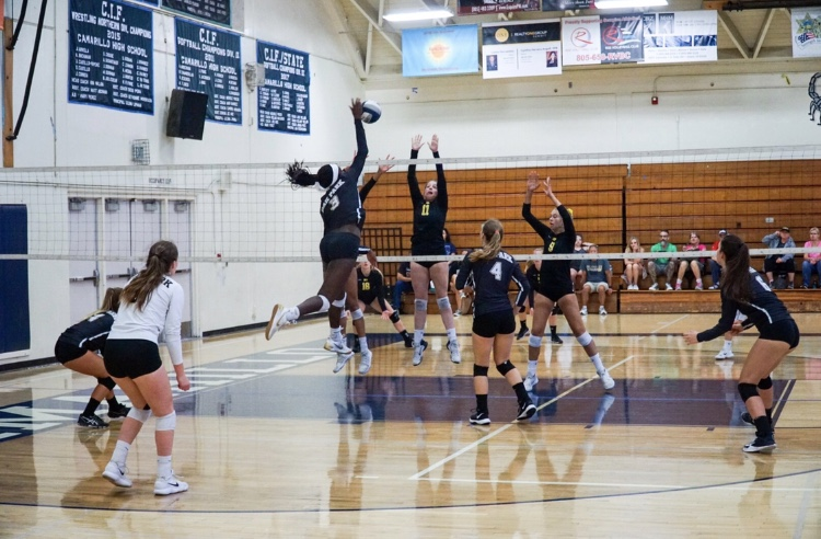 Girls%27+volleyball+team+plays+Camarillo+in+the+Adolfo+Camarillo+High+School+gym.+Currently%2C+the+beach+volleyball+team+practices+at+Bowfield+Park%2C+though+Bilbruck+is+working+to+find+new+locations+for+next+year.